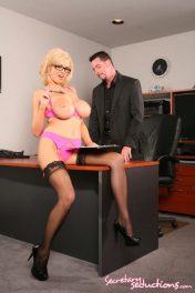 Follando con la nueva secretaria