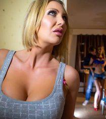 Mi Madrastra la Controladora (Leigh Darby, Stella Cox)