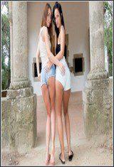 Stacy Snake Y Claudia Bavel-Un Loco Trio Español Con Las Latinas