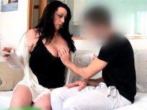 Fakings|Follatelos – Me he follado a un amigo de mi hijo. Aquí Sofía viviendo su soltería!!