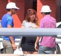 Imagen FAkings/Perdona señorita TETONA y de generosas curvas, ¿quiere aparecer en el videoclip de nuestra estrella?. Ricky is back!