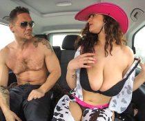Nacho Takes Over The Bus (Sandra Milka)
